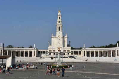 Fatima Santuary and Porto Day Trip from Lisbon