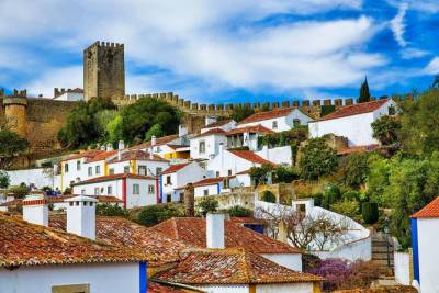 From Lisbon: Fátima, Óbidos Medieval, Nazaré Atlantic Coast