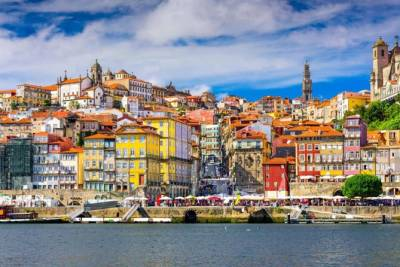 Porto multi-day tours: 5 days of tours and round trip airport transfer