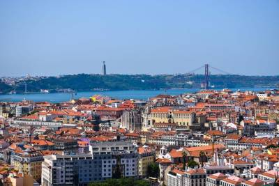 Lisbon to Porto Private Transfer