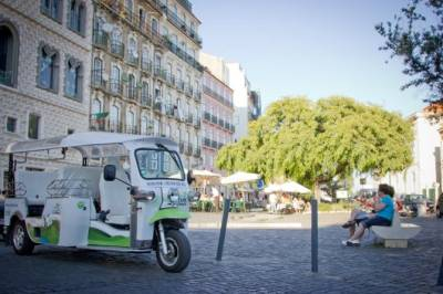Lisbon: 1.5-Hours Private Old Town and City Center by Electric Tuk Tour