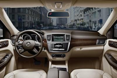 The Photo, Wine & Tile private Tour with panoramic Arrábida and Sesimbra