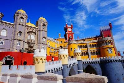 Special Private Half Day Tour to Pena Palace & Cabo da Roca, from Lisbon