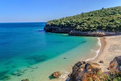 Arrabida - Sesimbra - Setubal - Palmela & Wine Tasting, Private Tour, Full Day