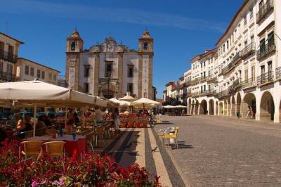 Private Day Trip to Evora from Lisbon