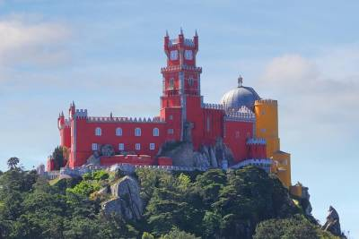 Sintra and Cascais Small Group Tour from Lisbon