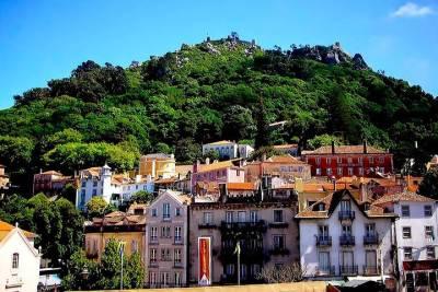 Lisbon to Algarve with stop at Óbidos Nazaré and Fátima
