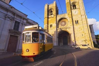 Lisbon/Quinta do Mocho - Visit the biggest open-sky Street Art Gallery in Europe