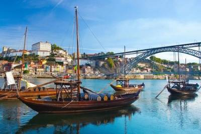 Private Tour(Transfer) from Lisbon to Porto