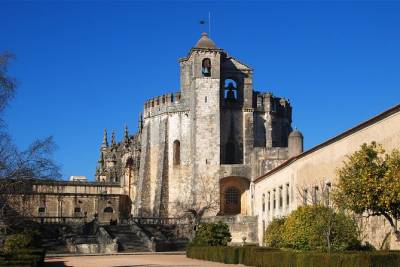 Private Tour: Tomar, Batalha, and Alcobaça Monasteries from Lisbon
