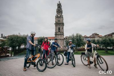 Porto Highlights Tour on an Electric Bike (Guided)