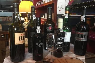 Vinho Verde region half-day wine and food tour from Porto