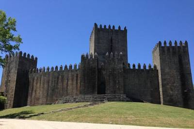 Discover Braga and Guimarães Private Tour from Porto in a Day