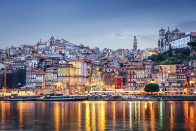 Porto to/from Lisbon with stops in 3 cities (Aveiro, Coimbra and Óbidos)