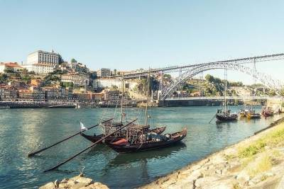 Small group tour - Wine and History in Porto