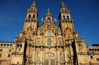 Santiago de Compostela and Viana do Castelo Small-Group Day Trip from Porto