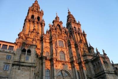 Santiago de Compostela and Viana do Castelo small group full-day tour from Porto