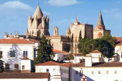 Private Full Day Tour to Discover the Historical Center of Évora, From Lisbon