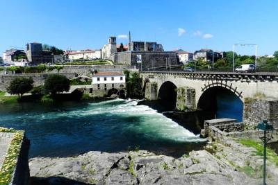 Full-Day Guided Barcelos Highlights Tour from Porto