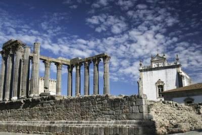 Lisbon: 5-Hour All Inclusive Tour on a Private Eco Tuk Tour