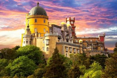 Sintra, Cascais, Estoril and Cabo da Roca full-day private tour from Lisbon