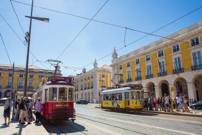 Lisbon Combo: 48-Hour Hop-On Hop-Off Tram and Yellow Boat Cruise