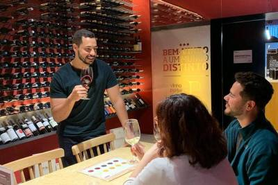 Porto Food & Wine Small Group Tour with a Sommelier