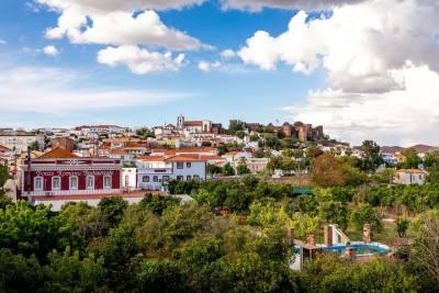Fátima, Batalha, Alcobaça, Nazaré and Óbidos Private Tour from Lisbon