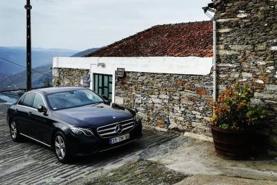 Lisbon to/from Porto one-way private transfer
