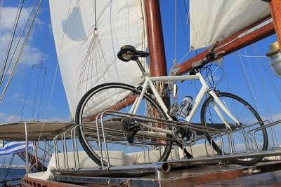 Bike Tour with Boat Sailing Trip in Lisbon