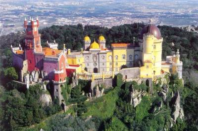 From Lisbon: Sintra and Cascais Private Tour Full Day With Lunch