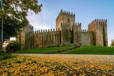 Guimarães: Half Day Private Tour from Porto