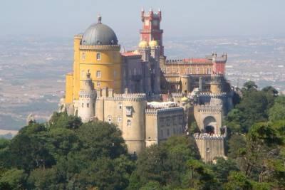 Private Full Day Tour to Moorist Castle, Ericeira & Mafra, from Lisbon