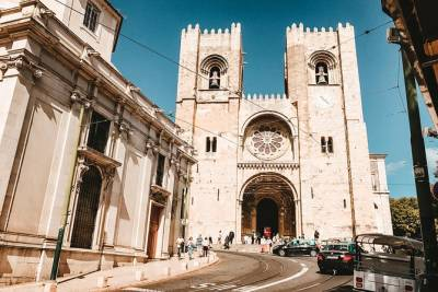 Full day Small Group Tour of Historical Lisbon