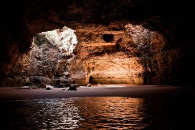 Caves and Coastline Tour from Armação de Pêra to Benagil - 1h 30m