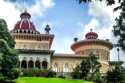 Private Full Day Tour Park and Palace Monserrate, Ericeira & Mafra, from Lisbon