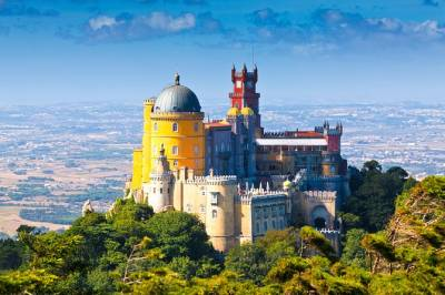 Lisbon Shore Excursion: Full Day Small Group Sintra & Cascais with Local Food