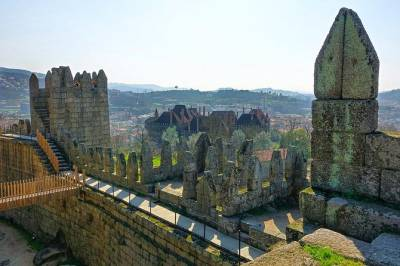 Private 8-hour tour to Braga and Guimaraes from Porto with driver and guide