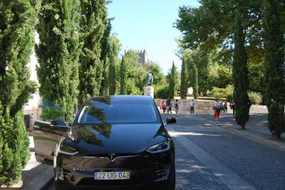 Portugal's Roots - Guimarães and Braga Full Day (Tesla car)