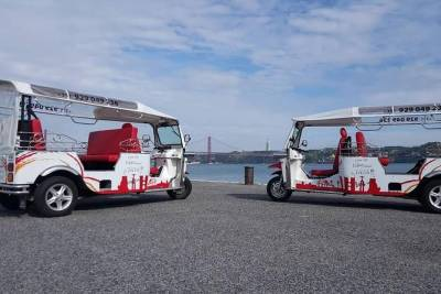 King Christ Tour - Tuk Tuk Sightseeing - Lisbon