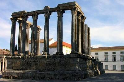 Evora Private Full Day Sightseeing Tour from Lisbon