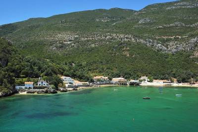 Arrábida and Setúbal Private Full Day Sightseeing Tour from Lisbon