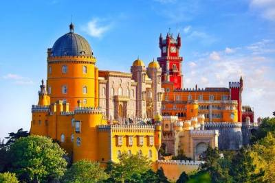 Half Day Sintra Village with Pena Palace - Private tour from Lisbon