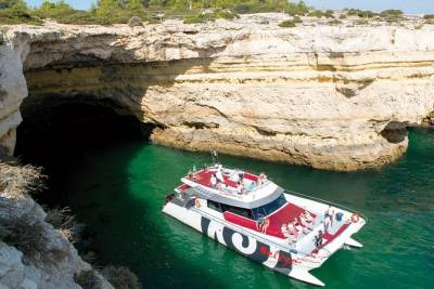 Caves and Coastline Cruise from Albufeira to Benagil