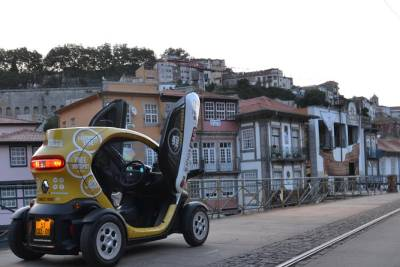 Porto Central: Self-Drive City Tour in an Electric Vehicle - Delivery Included