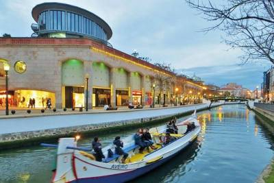 Private Tour Aveiro Little Venice and River Tour Moliceiro