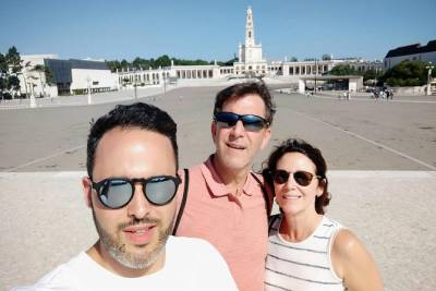 Private Tour With a Local Full Day From Lisbon To Fátima Batalha Nazare Obidos
