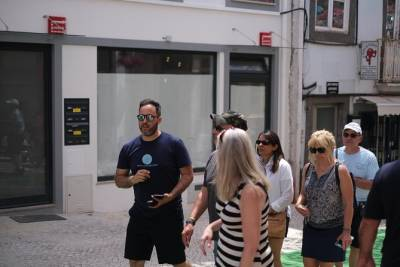 Private Transfer From Porto to Lisbon Stops Aveiro Coimbra Batalha Fatima Nazare