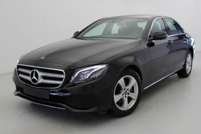 Arrival Private Transfer Porto Airport OPO to Porto City by Business Car