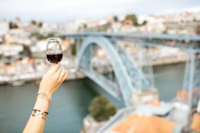 Combo: Shared Walking Tour with Porto Wine Cellar Ticket